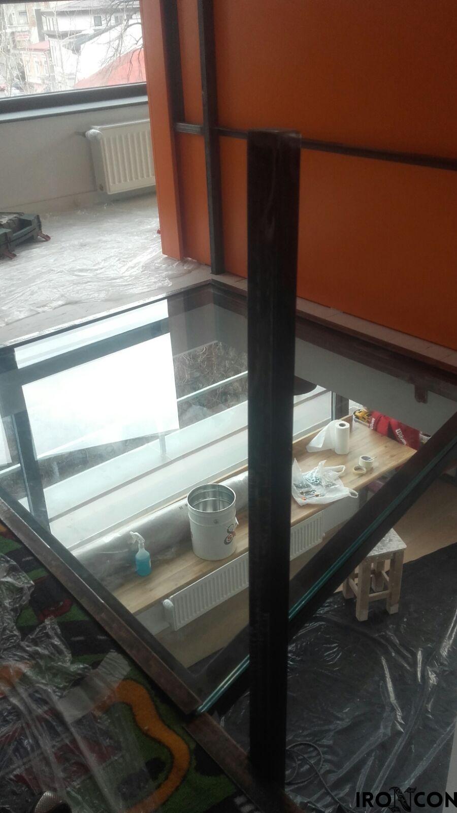 pardoseala sticla securizata 8002-2