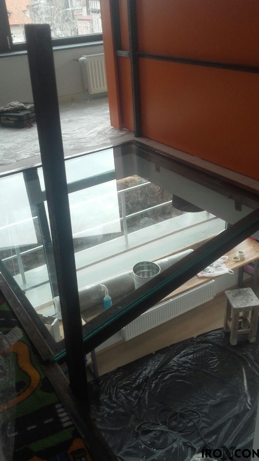 pardoseala sticla securizata 8002-3