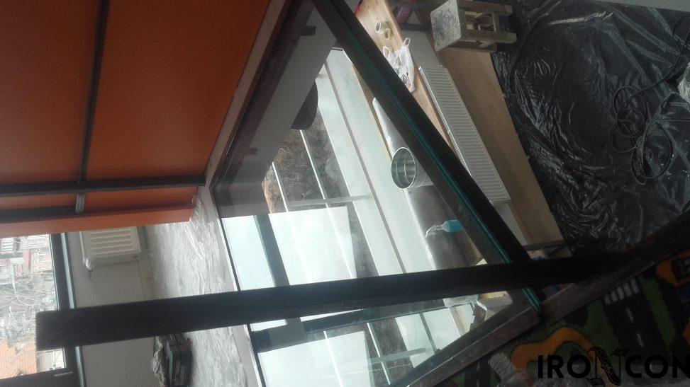 pardoseala sticla securizata 8002