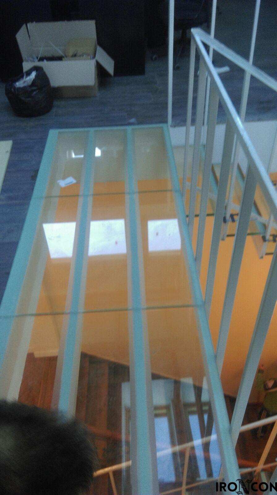 Pardoseala sticla securizata 8003-2